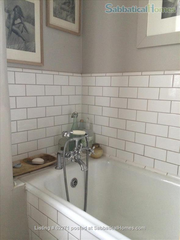 Beautiful artistic large 1 bedroom apartment Home Rental in Greater London, England, United Kingdom 7