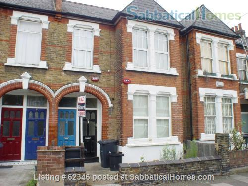 A 3 bedroom flat in London with a garden  Home Rental in London, England, United Kingdom 1