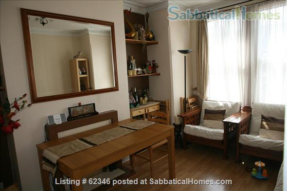 A 3 bedroom flat in London with a garden  Home Rental in London, England, United Kingdom 5