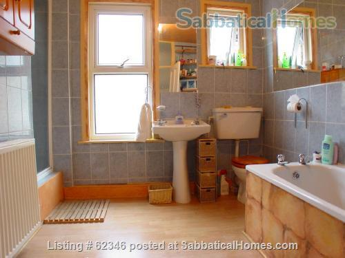 A 3 bedroom flat in London with a garden  Home Rental in London, England, United Kingdom 2