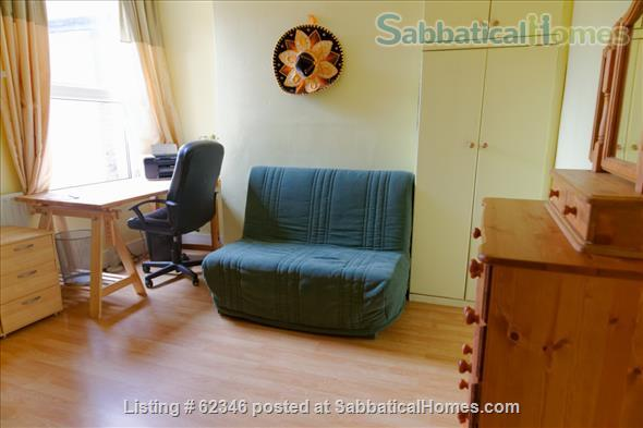 A 3 bedroom flat in London with a garden  Home Rental in London, England, United Kingdom 0