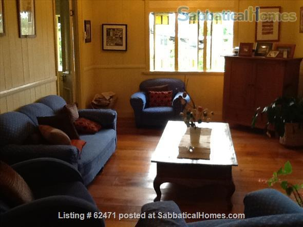 Spacious three bedroom apartment with stunning city views in Brisbane Australia Home Rental in Highgate Hill, QLD, Australia 2