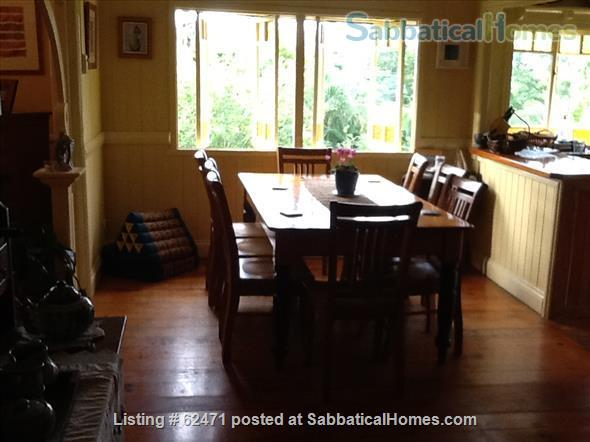 Spacious three bedroom apartment with stunning city views in Brisbane Australia Home Rental in Highgate Hill, QLD, Australia 4