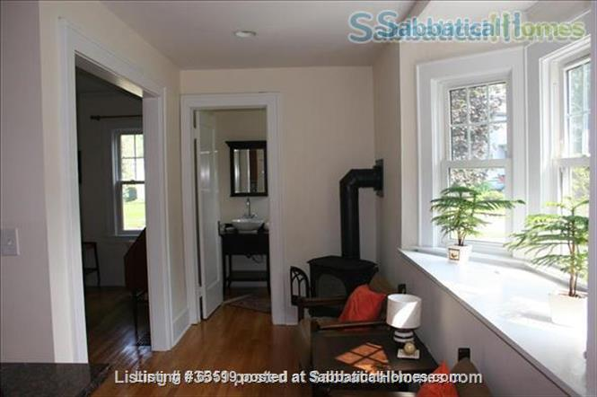 Beautifully remodeled 4-BR Colonial, 2 blocks from Syracuse University and SUNY Home Rental in Syracuse, New York, United States 5