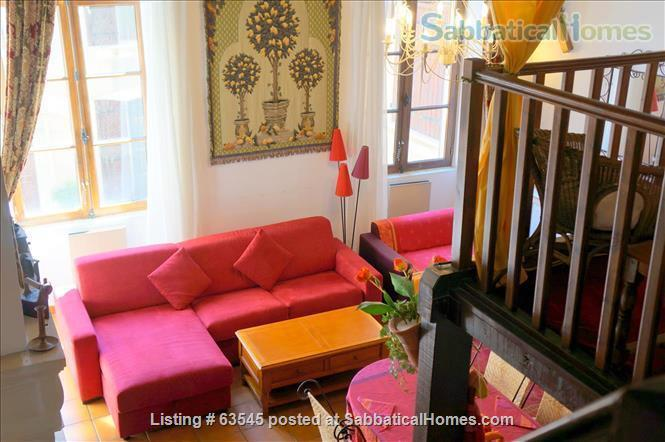 Beautiful apartment in historic residence in Narbonne (the heart of Roman Languedoc) Home Rental in Narbonne, Languedoc-Roussillon, France 1