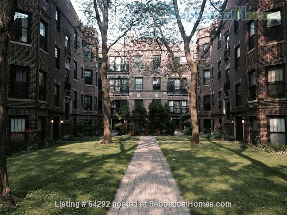 Beautiful Two Bedroom (corner unit) and One Bedroom both on Lake Michigan. Fully furnished, near transport Home Rental in Chicago, Illinois, United States 9