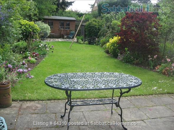 Semi-detached Edwardian house with garden near Oxford city centre Home Rental in Summertown, England, United Kingdom 1