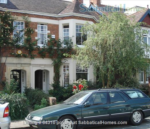 Semi-detached Edwardian house with garden near Oxford city centre Home Rental in Summertown, England, United Kingdom 0