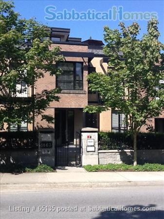 2br - 1330ft² - 2 BR, 2.5 BA Upscale Townhouse (UBC Campus, Vancouver, CA)  Home Rental in Vancouver, British Columbia, Canada 1