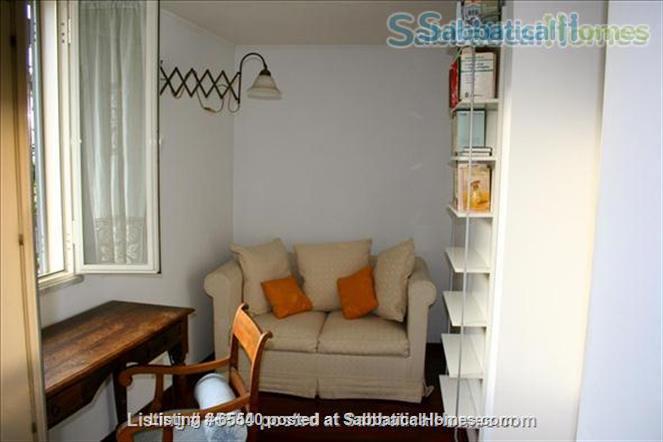 Cozy apartment in the heart of Rome (Colosseum) -all inclusive Home Rental in Roma, Lazio, Italy 4