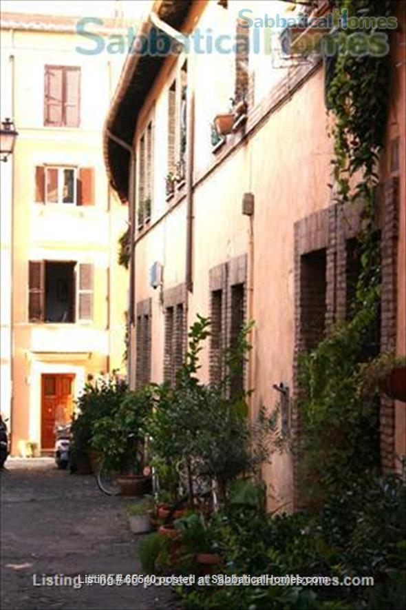 Cozy apartment in the heart of Rome (Colosseum) -all inclusive Home Rental in Roma, Lazio, Italy 8