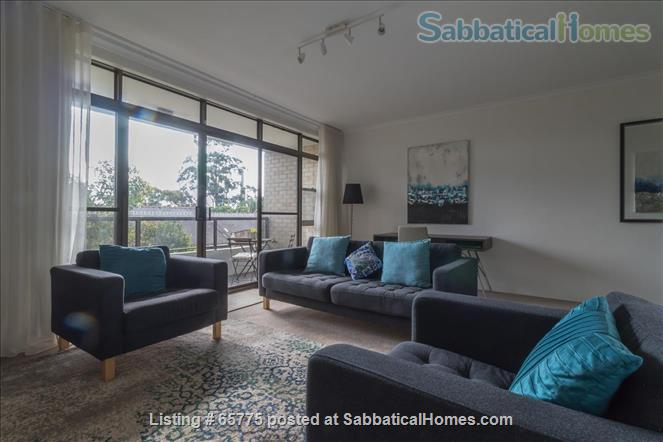 GORGEOUS GLEBE POINT! 2 BED SUNNY UNIT NEAR SYD HARBOUR...CLOSE (CAN GENUINELY WALK!) TO SYDNEY UNI AND UTS Home Rental in Glebe, NSW, Australia 1