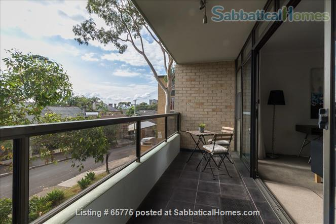 GORGEOUS GLEBE POINT! 2 BED SUNNY UNIT NEAR SYD HARBOUR...CLOSE (CAN GENUINELY WALK!) TO SYDNEY UNI AND UTS Home Rental in Glebe, NSW, Australia 4
