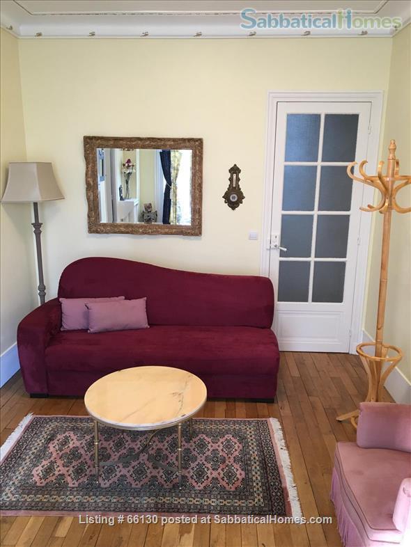 Elegant, remodeled apartment in Upper Belleville Village - Ideal for 2 Home Rental in Paris, IDF, France 3