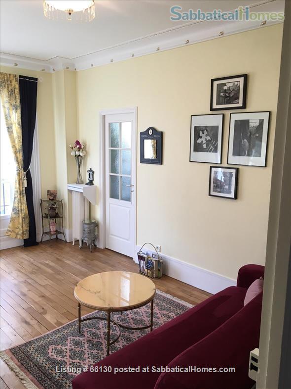 Elegant, remodeled apartment in Upper Belleville Village - Ideal for 2 Home Rental in Paris, IDF, France 4