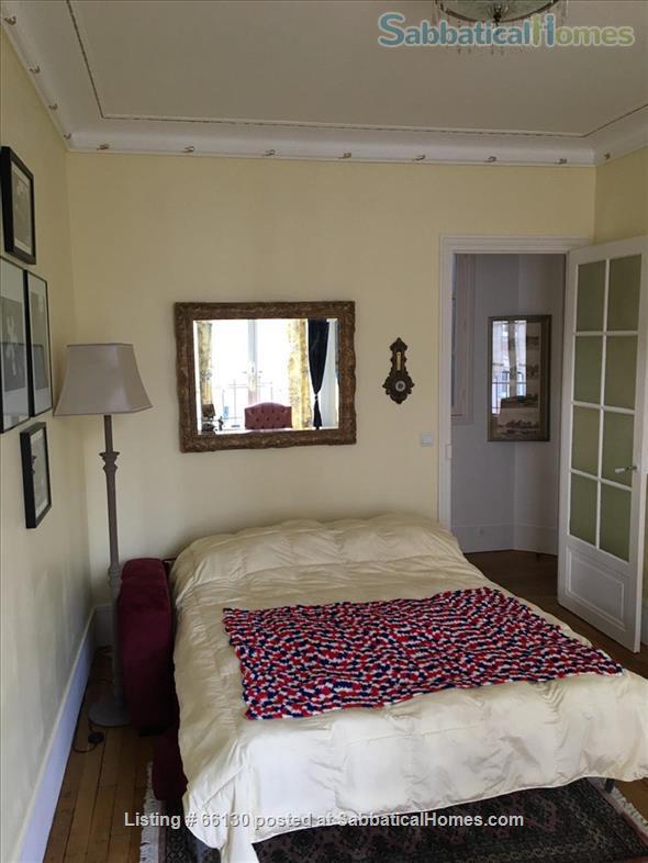 Elegant, remodeled apartment in Upper Belleville Village - Ideal for 2 Home Rental in Paris, IDF, France 5