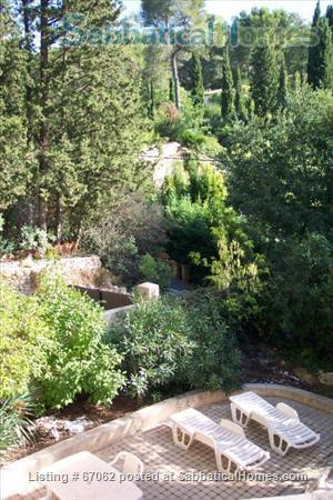 Lovely 3 bedroom - 2 bath home in peaceful setting, 2 miles from the historic center, lovely environment.  Home Rental in Aix-en-Provence, Provence-Alpes-Côte d'Azur, France 9