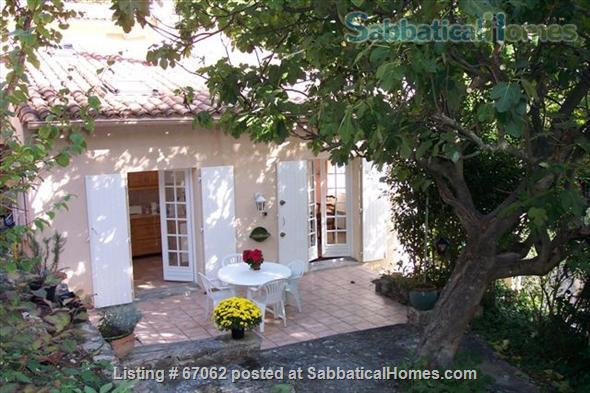 Lovely 3 bedroom - 2 bath home in peaceful setting, 2 miles from the historic center, lovely environment.  Home Rental in Aix-en-Provence, Provence-Alpes-Côte d'Azur, France 1