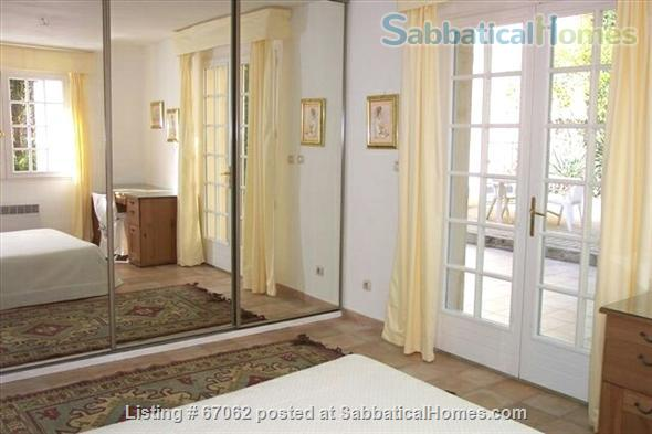 Lovely 3 bedroom - 2 bath home in peaceful setting, 2 miles from the historic center, lovely environment.  Home Rental in Aix-en-Provence, Provence-Alpes-Côte d'Azur, France 5
