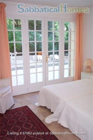Lovely 3 bedroom - 2 bath home in peaceful setting, 2 miles from the historic center, lovely environment.  Home Rental in Aix-en-Provence, Provence-Alpes-Côte d'Azur, France 6
