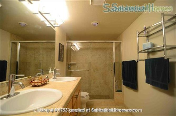 Large Private Master Bedroom Suite, Boulder Colorado Home Rental in Boulder, Colorado, United States 5