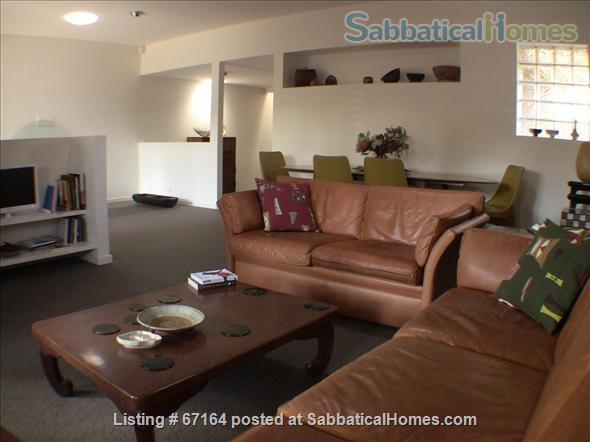Very close to the city, parkland and public transport.  Home Rental in Clifton Hill, Victoria, Australia 2