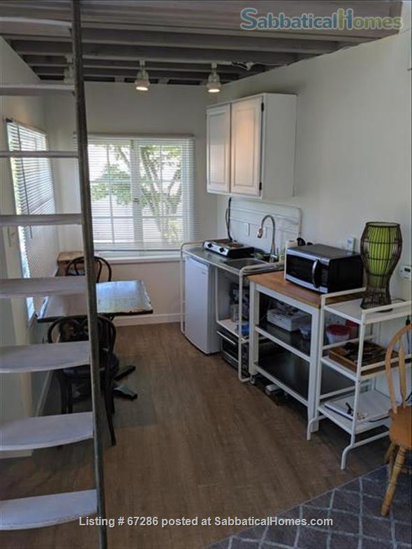 PRIVATE NEWLY REMODELED with A/C and W/D:  QUIET,  Pool House, walk to IPAM and UCLA, Century City and Bev Hills Home Rental in Los Angeles, California, United States 6