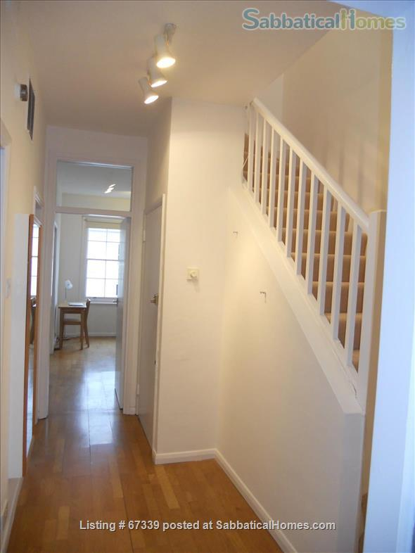 Light,  spacious, central London 2-floor apartment.  Superb transport links. Home Rental in London, England, United Kingdom 8