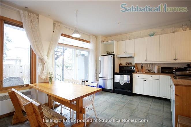Beautiful 4 bedroom Mile End Montreal house with sunny backyard next to park Home Rental in Montréal, Québec, Canada 2