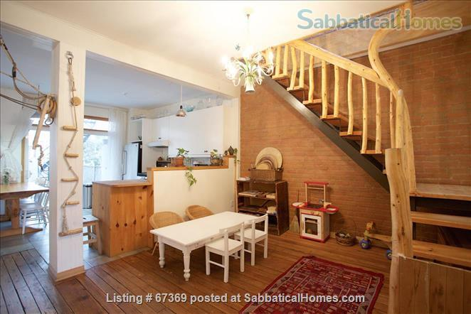 Beautiful 4 bedroom Mile End Montreal house with sunny backyard next to park Home Rental in Montréal, Québec, Canada 3