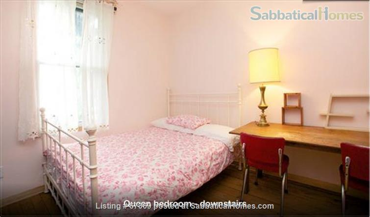 Beautiful 4 bedroom Mile End Montreal house with sunny backyard next to park Home Rental in Montréal, Québec, Canada 6