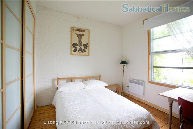 Beautiful 4 bedroom Mile End Montreal house with sunny backyard next to park Home Rental in Montréal, Québec, Canada 8