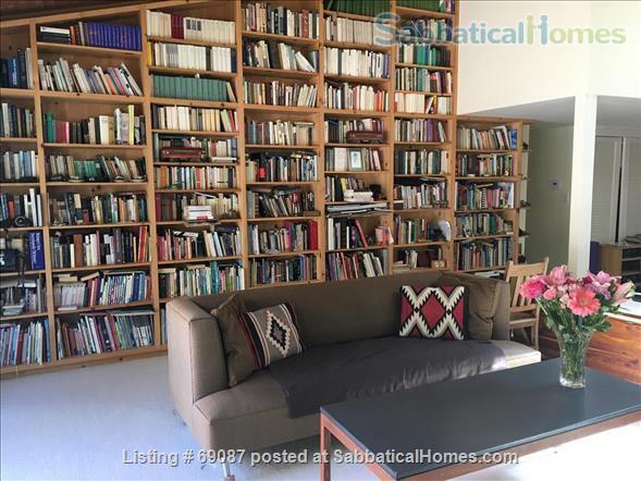 Spacious Home, 3 BR/1 office/2.5 bath, in quiet neighborhood near downtown Santa Barbara Home Rental in Santa Barbara, California, United States 2