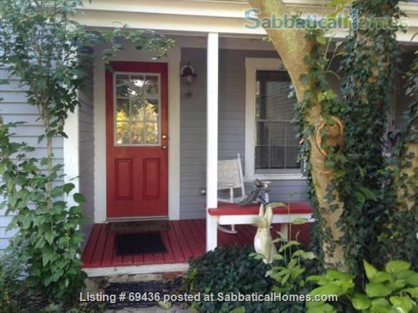 Coastal LITTLE COMPTON ~ Cottage   ~ UTILITIES INCLUDED ~ PET FRIENDLY  Home Rental in Little Compton, Rhode Island, United States 1