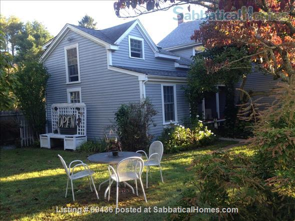 Coastal LITTLE COMPTON ~ Cottage   ~ UTILITIES INCLUDED ~ PET FRIENDLY  Home Rental in Little Compton, Rhode Island, United States 3