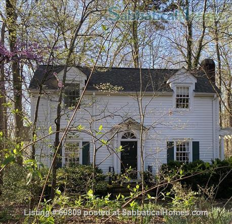 Chapel Hill Treasure on Franklin St - Fully furnished, walk to campus and downtown  Home Rental in Chapel Hill, North Carolina, United States 1