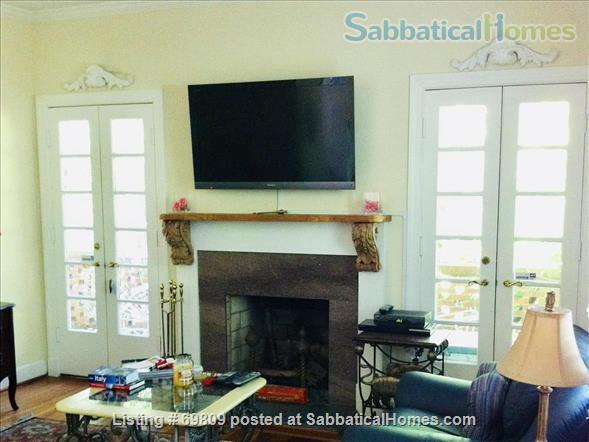 Chapel Hill Treasure on Franklin St - Fully furnished, walk to campus and downtown  Home Rental in Chapel Hill, North Carolina, United States 3