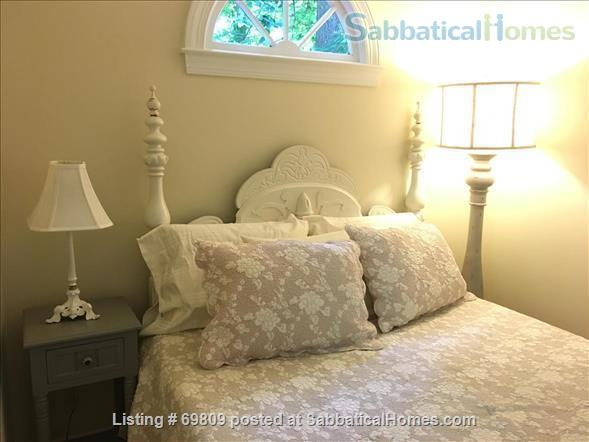 Chapel Hill Treasure on Franklin St - Fully furnished, walk to campus and downtown  Home Rental in Chapel Hill, North Carolina, United States 7