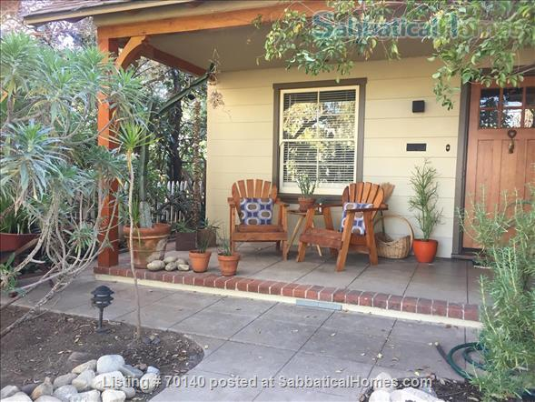 1920's California Bungalow, Pvt. 1 bdrm, bath, kitchenette, and entrance Home Rental in South Pasadena, California, United States 1
