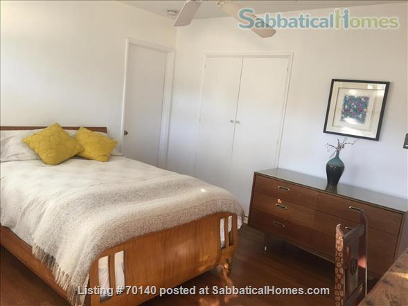 1920's California Bungalow, Pvt. 1 bdrm, bath, kitchenette, and entrance Home Rental in South Pasadena, California, United States 2