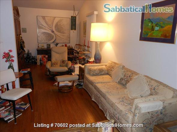 Dream for Working at Home: Quiet, one-story furnished townhouse with 3 bedrooms (master walk-in closet), 2 baths, lovely yard and swing on cul de sac. Home Rental in Chapel Hill, North Carolina, United States 1