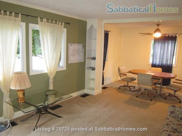 3 Bedroom House, Fully Furnished, in Desirable Quiet Champaign Neighborhood Home Rental in Champaign, Illinois, United States 4