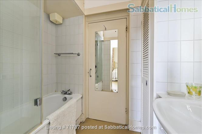 Airy studio apartment in one of London's most  delightful and prestigious streets Home Rental in South Kensington, England, United Kingdom 6