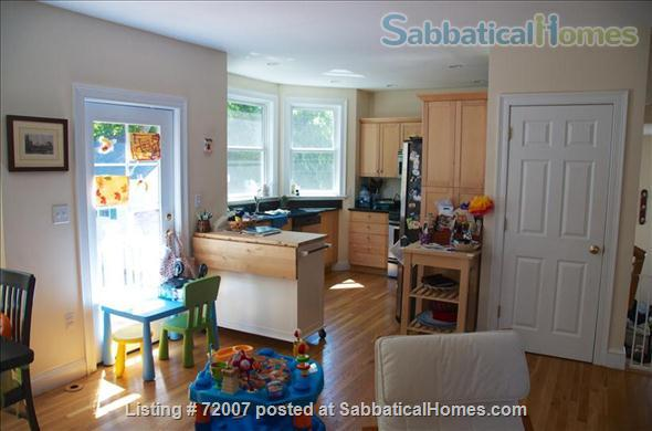 Furnished, sunny townhouse in Cambridge, 3BR/2.5BA  Home Rental in Cambridge, Massachusetts, United States 3