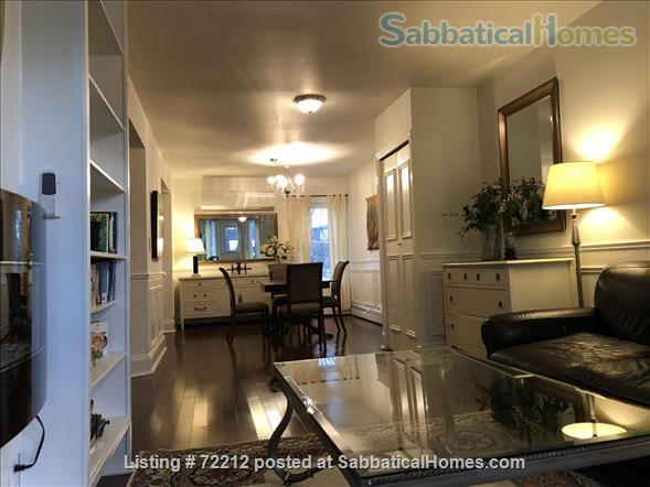 Beautiful Large 2000 SF (195M2)  3 bedroom Apt with large Balcony. Your home away from home in the High Park / Roncesvalles/Bloorwest area  Home Exchange in Toronto, Ontario, Canada 2