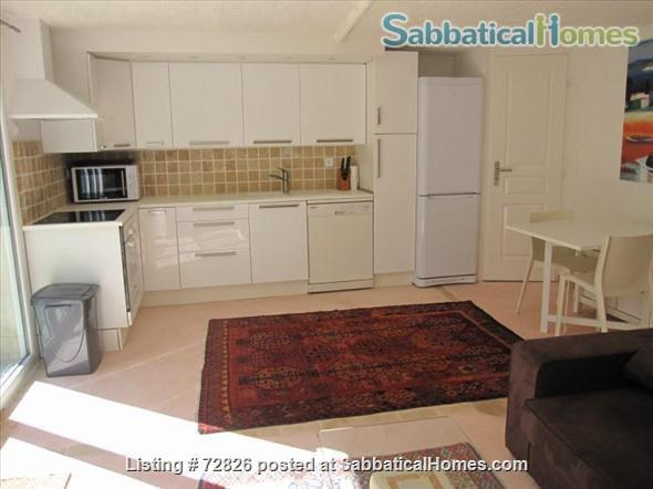 CHARMING, SPACIOUS STUDIO WITH TERRACE IN LOVELY AREA CLOSE TO CENTER Home Rental in Aix-en-Provence, Provence-Alpes-Côte d'Azur, France 5