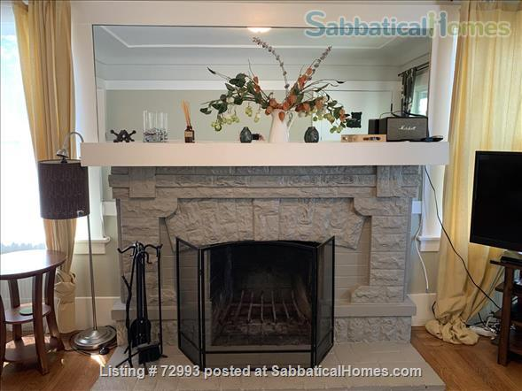 Gorgeous home, close to Berkeley, sunny backyard & parking space Home Rental in Oakland, California, United States 0