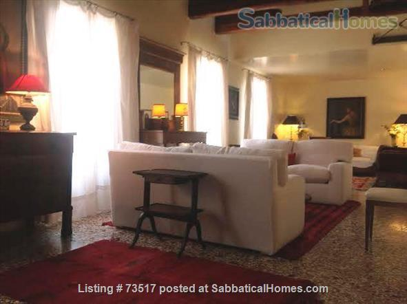 A beautiful large house in the heart of Venice  Home Rental in Venezia, Veneto, Italy 1