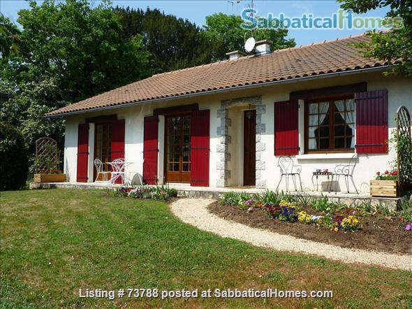3 Bedroom, 2 Bath Country Home, comfortable and luxurious Home Rental in Voulmentin, Nouvelle-Aquitaine, France 1