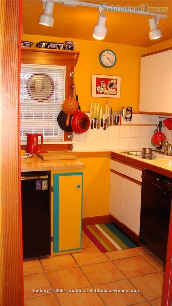GARDEN APARTMENT-FULLY FURNISHED, CLOSE TO UC BERKELEY Home Rental in Oakland, California, United States 2
